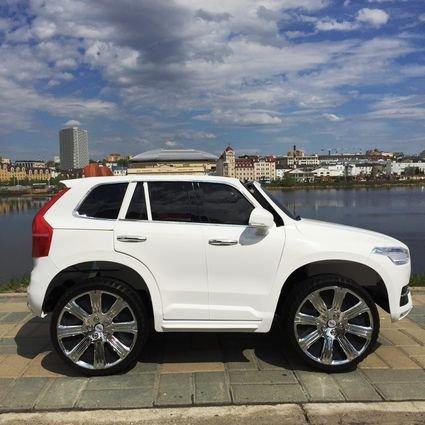 Электромобиль VOLVO XC90 белый (АКБ 12v 10ah, колеса резина, сиденье кожа, пульт, музыка)